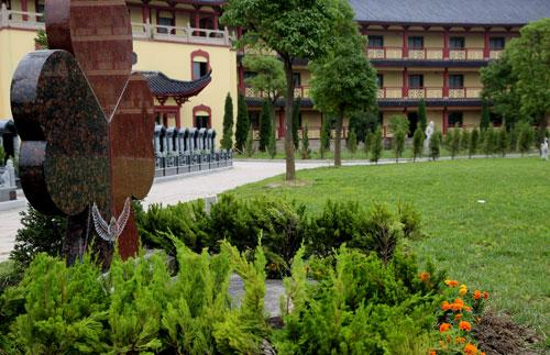 浏家港艺术墓园