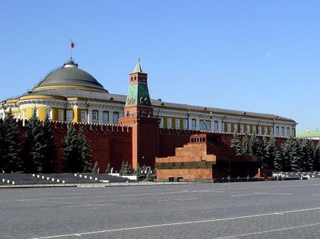 年近九十的列宁陵墓