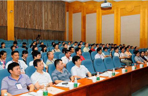 上海长安公墓召开市殡葬服务中心第二季度工作例会