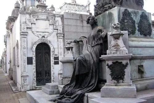 科莱塔公墓