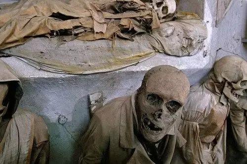 意大利巴勒莫嘉布遣会地下墓穴