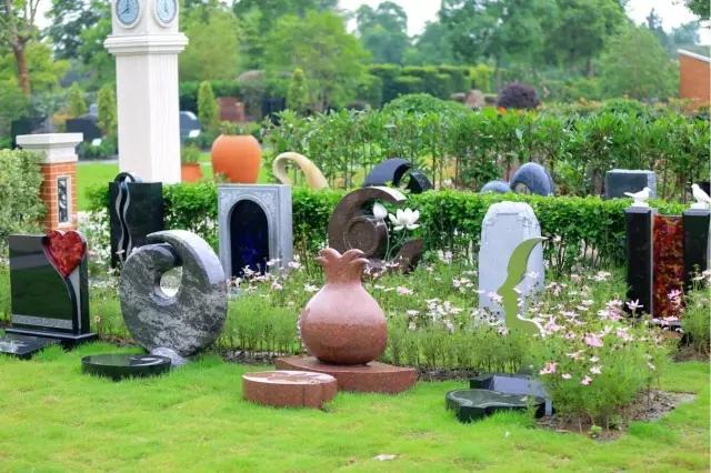 小型节地墓碑如何做出艺术美感,上海福寿园墓地给了一图片